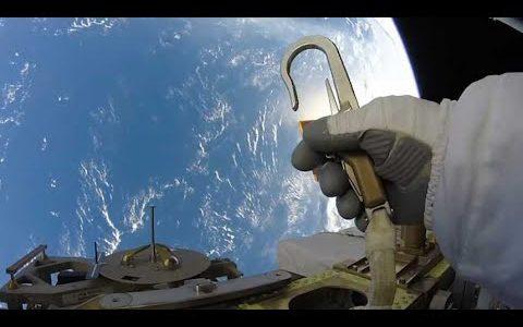 高所恐怖症には最高に地獄!!地球へ落下することを恐怖しながら見るISSでの作業映像