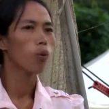 父親のギャンブル破産によって人身売買されるミャンマーの少女