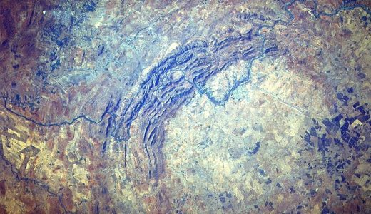 【画像】世界最大にして最古のクレーター「フレデフォート・ドーム」の画像