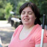 身体完全同一性障害の女性が自ら盲目になる道を選ぶ