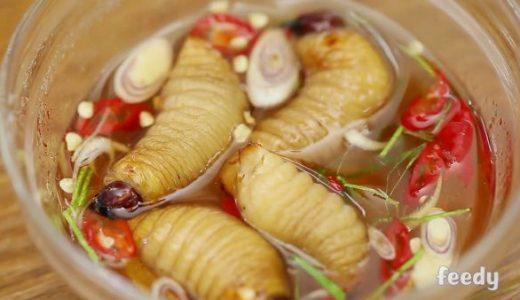 【閲覧注意】得たいの知れない幼虫を生きたままおしゃれな料理にしてみた
